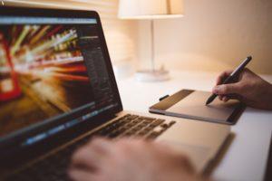 Uzņēmuma mājaslapa sniedz neskaitāmas iespējas