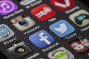 Kā reklamēt biznesu internetā ar sociālajiem tīkliem